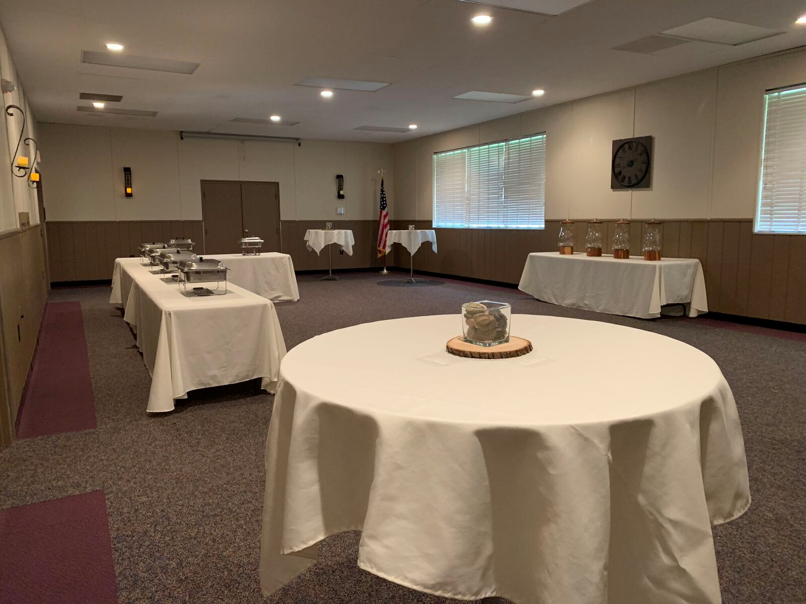 medium room banquet setup