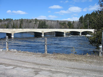 Highway_41_Bridge_over_Madawaska_at_Grif