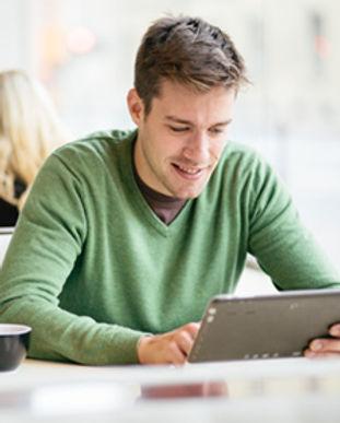 computer-IT-student-online.jpg