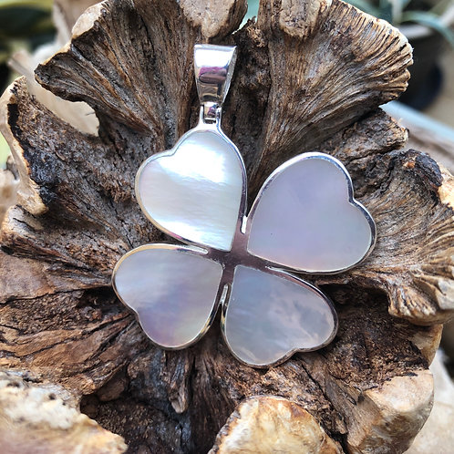 Mother of Pearl 4 Leaf Clover Pendant