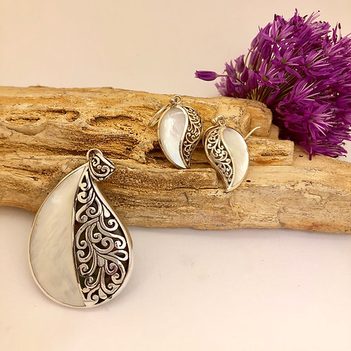 Mother of Pearl & Silver Filigree Comma Set