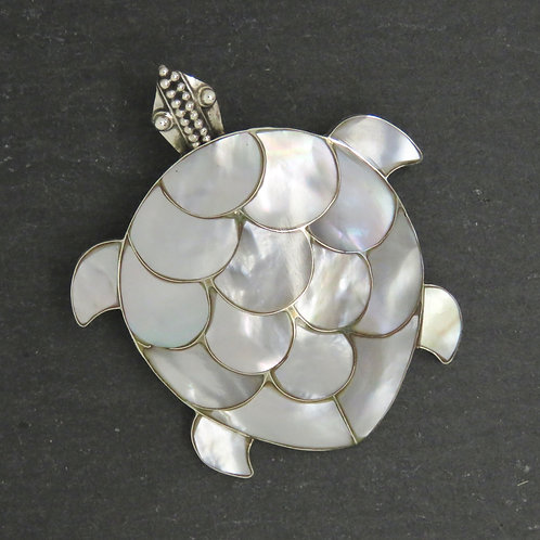 Mother of Pearl Brooch/Pendant