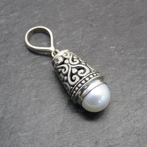 Pearl & Silver Filigree Pendant