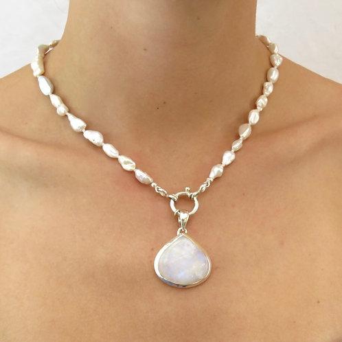 Pearl Irregular Shape Necklace