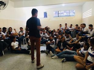 Missão Cidade Nova realiza manhã de evangelização no Colégio Santos Dumont