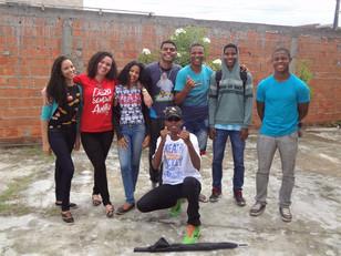 Jovens do Movimento Auxilia realizam ação missionária no Bairro Cidade Nova