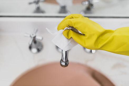 sanitizing-commercial-bathrooms2.jpg