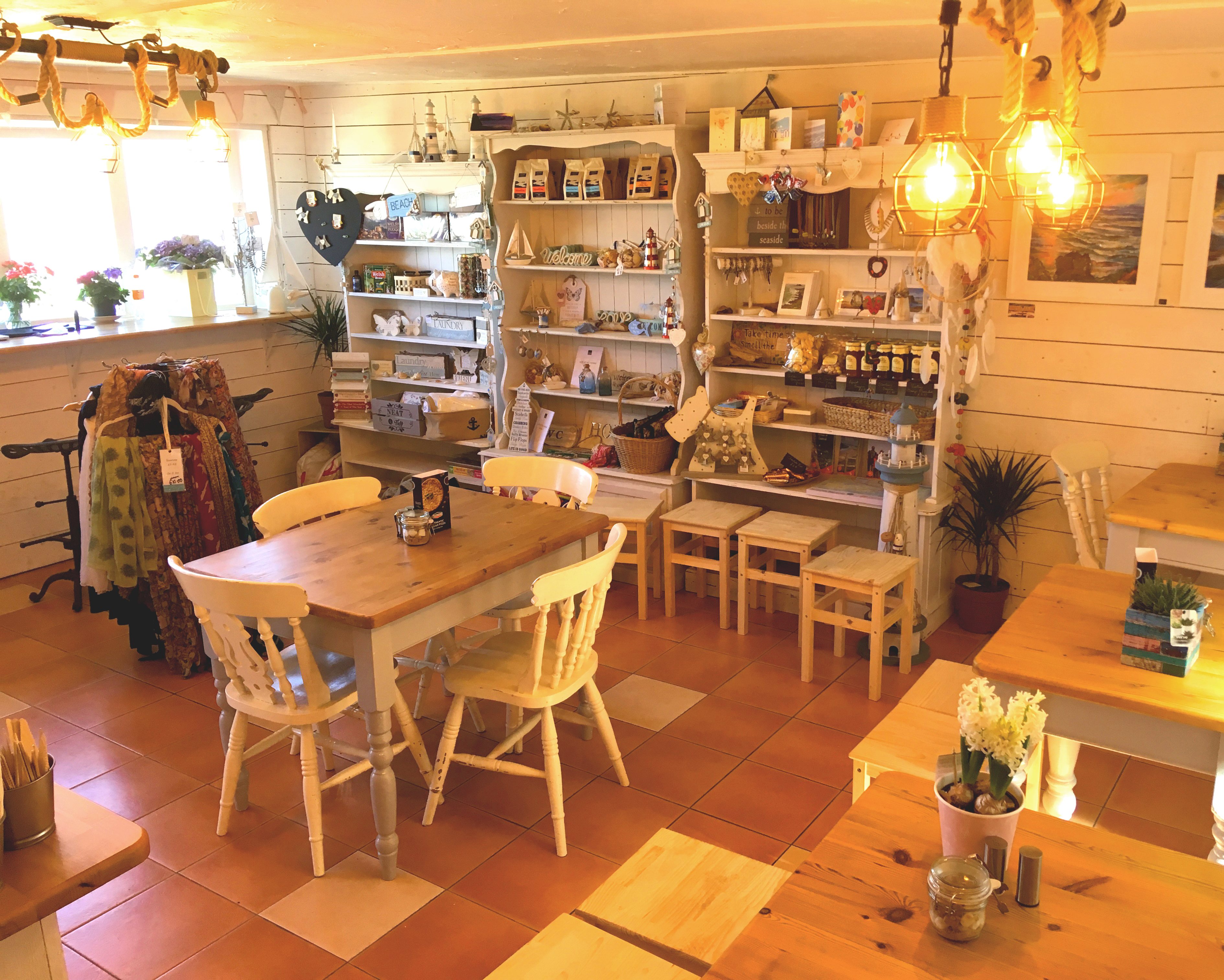 Whole_Café