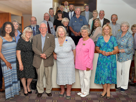 Members enjoy an evening at the Inn