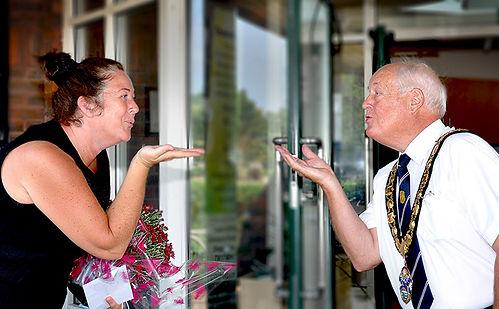 Mayor disatnce kiss WEB.jpg