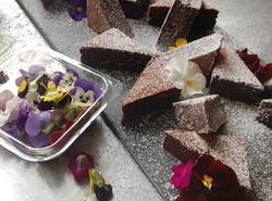 cake_flowers.jpg
