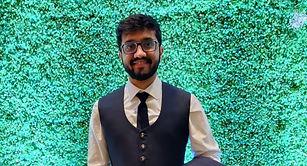 Akash%20durlab%20photo_edited.jpg