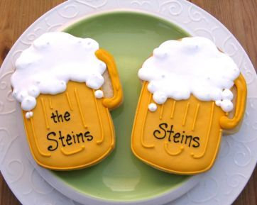 Beer mug cookies, personalized beer stein cookies, personalized beer mug cookies