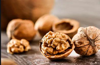 Milk Chocolate with Walnuts