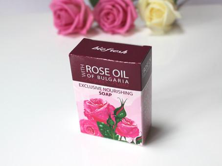 Regina Rose Exclusive Nourishing soap
