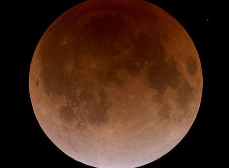 Japão se prepara para eclipse lunar mais longo do século