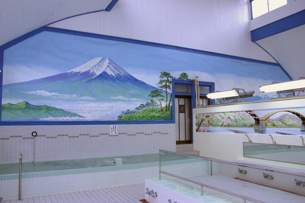 Sentō tradicionais costumam ter pinturas que representam a cultura local. foto: Tokyo Sento Association