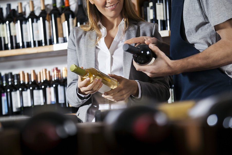Selecting-wine-at-store-2000x1333.jpg