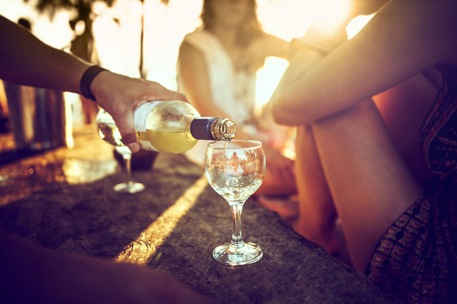 outdoor-wine-bar-2000x1333.jpg