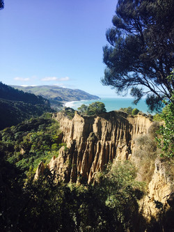 CATHEDRAL CLIFFS - by Gore Bay Dagi Wetter