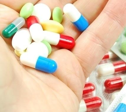 Uso indiscriminado de anti-inflamatório pode gerar graves complicações