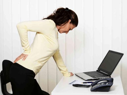 Dor nas costas é a principal causa de afastamento do trabalho, diz pesquisa