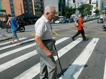 Idosos são maiores vítimas de atropelamento no Brasil