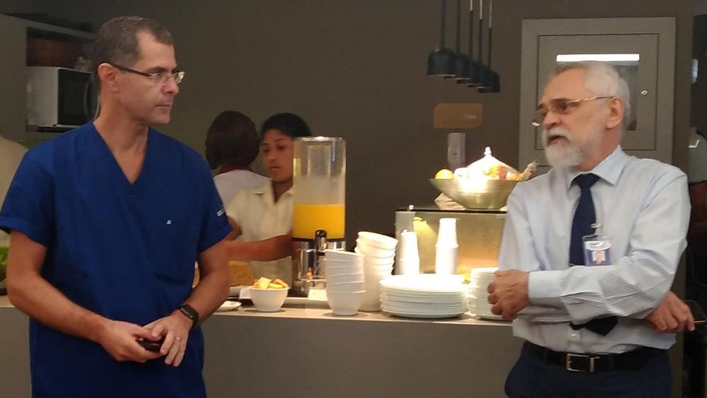 Dr. Paulo Barbosa e Dr. Odilon Neto, diretor do Hospital Quinta D'Or, no lançamento da campanha Dirija Sem Desculpas