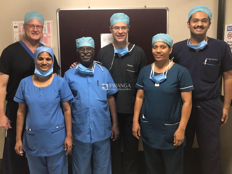 Equipe que acompanhou Dr. Paulo em uma das cirurgias.