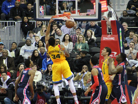 Antetokounmpo, Bucks too much for Wizards