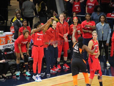 Delle Donne, Atkins lead Washington past Connecticut in Game 1