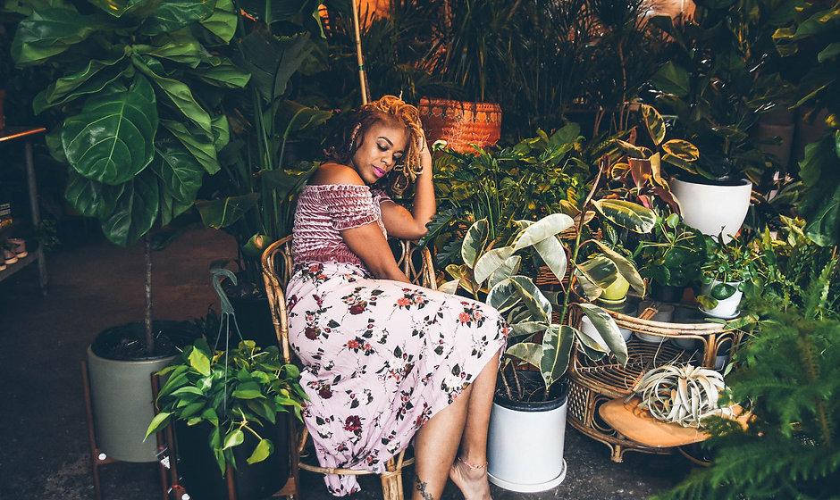 Woman in plant garden - 1280x715 nappy.c