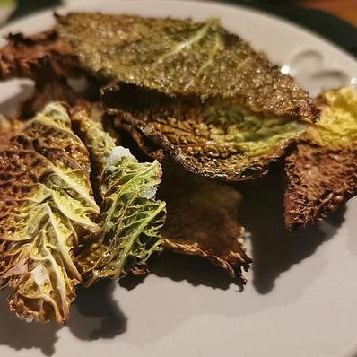 Crispy cabbage chips