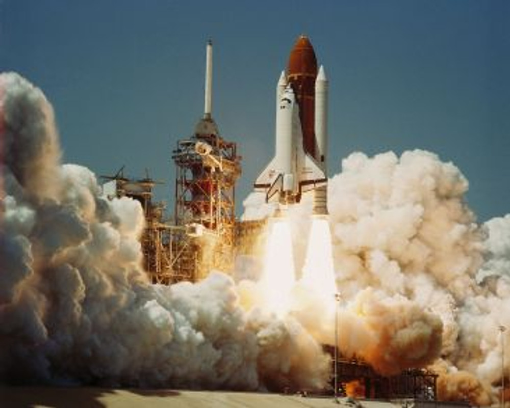 1200px-space_shuttle_challenger_2804-04-198329