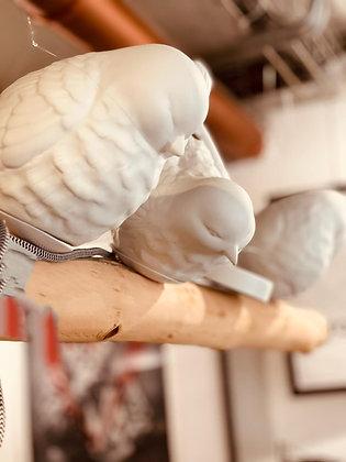 Lustre Oiseaux perchés sur la brancheen porcelaine.