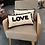 Thumbnail: Coussin Love en coton.