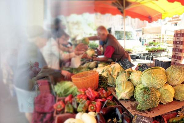 le marché a Ribemont.jpg