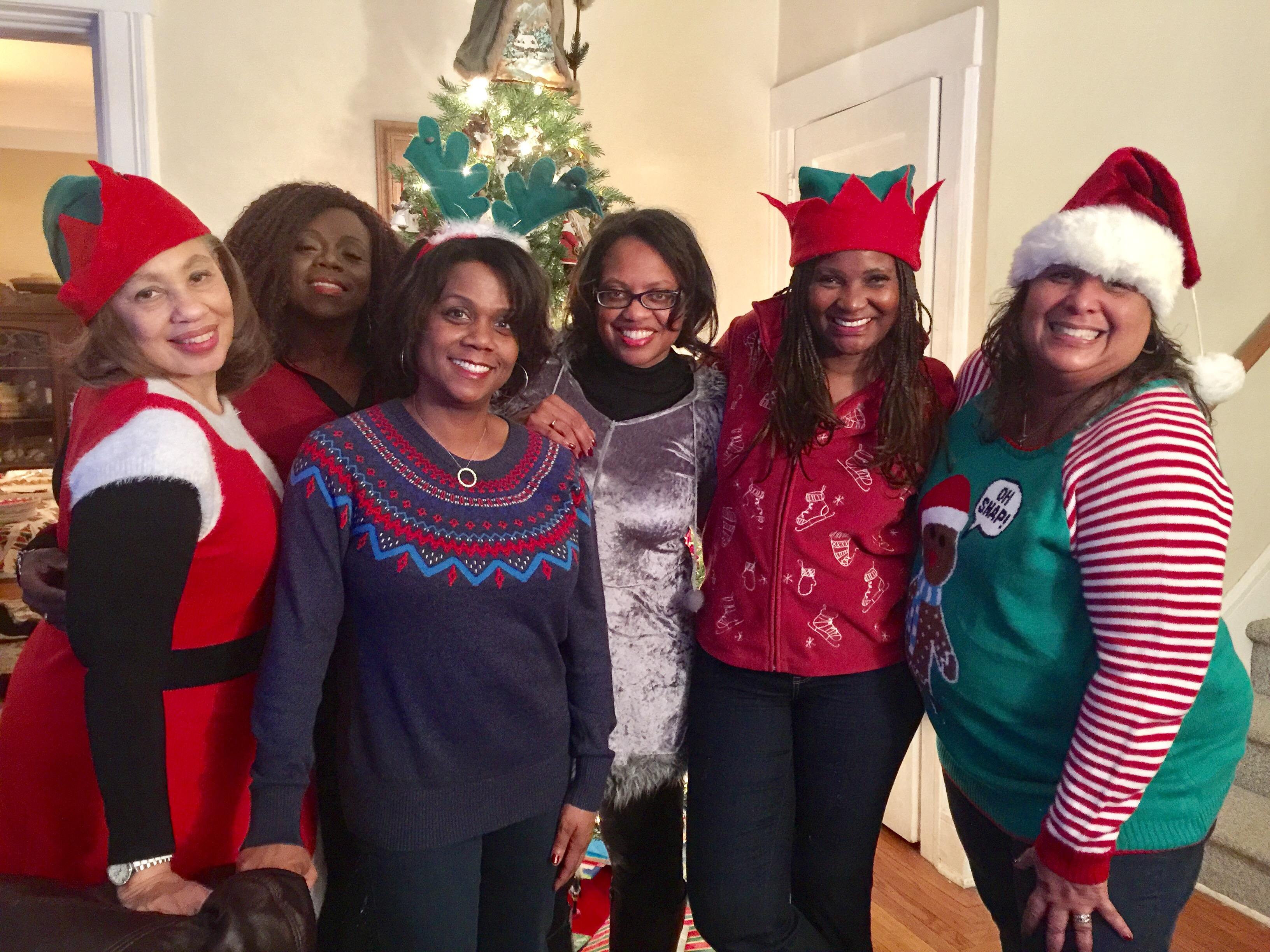 gucc-associates-chapter-members-and-friends-at-annual-ugly-sweater-party-at-mary-whitners-home_32082