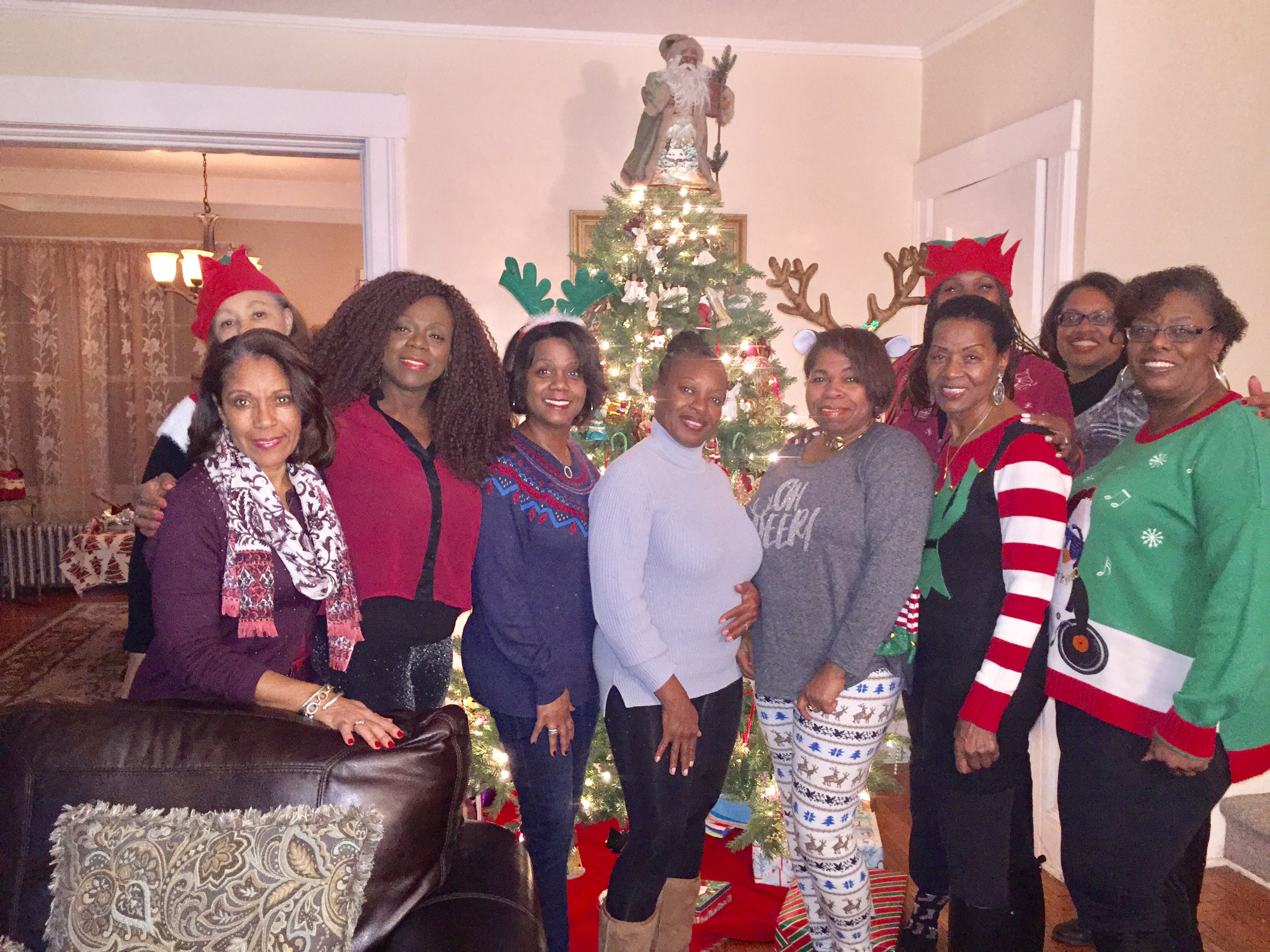 gucc-associates-chapter-members-and-friends-at-annual-ugly-sweater-party-at-mary-whitners-home_31972