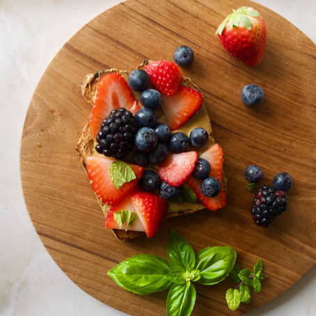 BREAKFAST BERRY SUNFLOWER TOAST