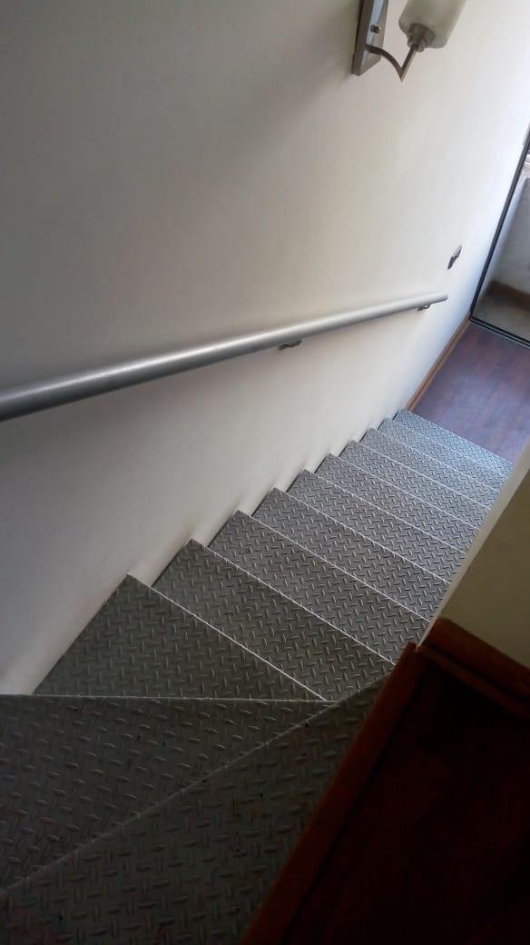 Bajando Escalera.jpg