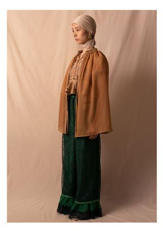 cape / lace pants