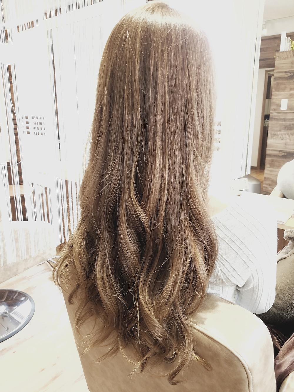 春のグレーアッシュでキレイなツヤ髪に♪平塚一番のオシャレヘアーに☆コハクで綺麗のプロデュース★