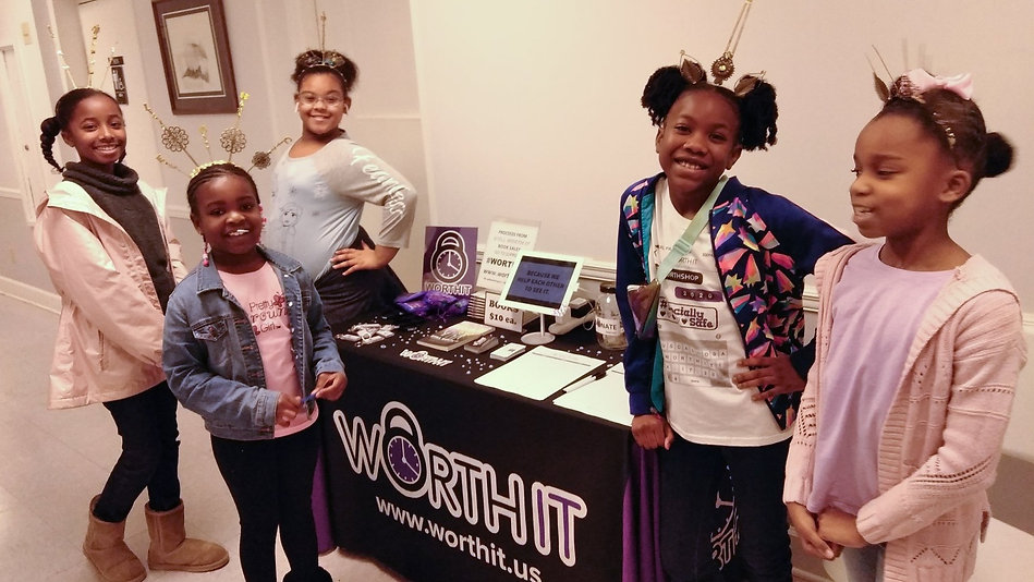 worthit girls at event table