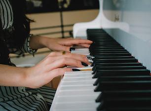 piano-3275074_1920.jpg