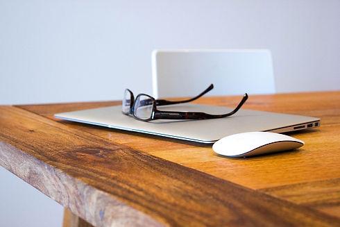 Bildschirmarbeitsplatzbrille - Brillen für Laptop und Computer - Fachgeschäft für Bildschirmarbeitsplatzbrillen