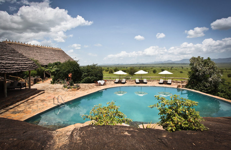 Apoka Lodge Kidepo-pool (1).jpg
