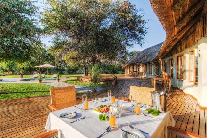 Leroo-La-Tau-Outdoor-Dining(2).jpg