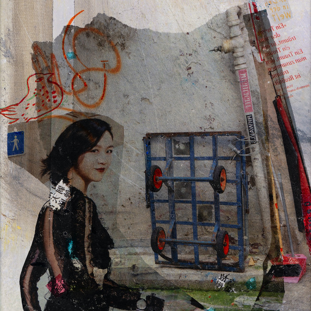 Icons@Hong Kong, 21 walking lady