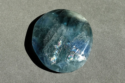 藍色螢石打磨原石